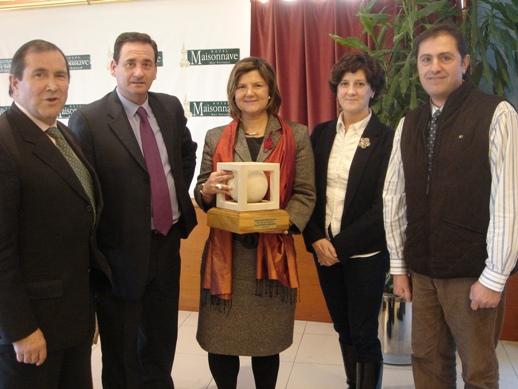 Pilar García-Granero recogiendo el premio