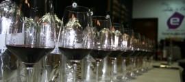 catando vinos tintos - copia