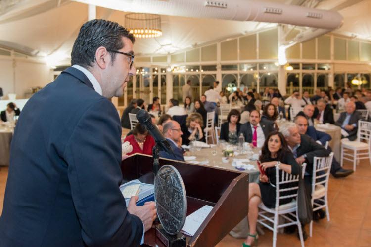 Joaquín Parra agradeciendo el premio - copia